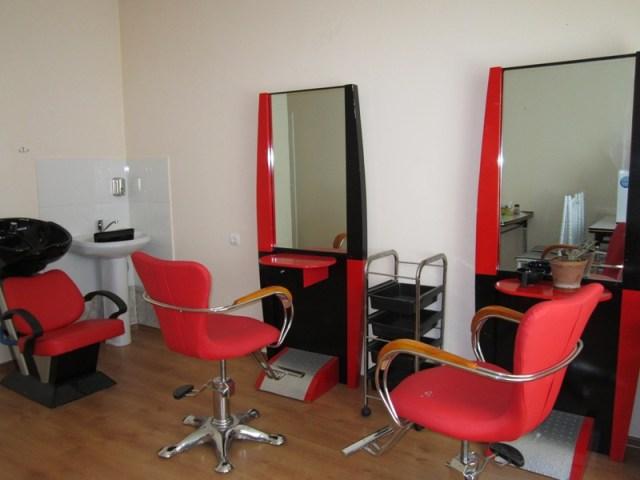 Мебель для парикмахерской, как выбрать и что нужно учитывать