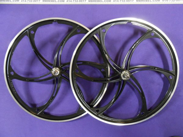 Black Mag Wheelset 26 X 2.125 Disc Freewheel