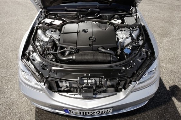 79699114628545616374410c99227 597x398 Four cylinder turbodiesel in the S Class? Not in the U.S.