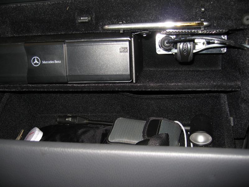 2006 C230 Fuse Box Power To Glovebox Easy Method 2005 Pics Mbworld Org