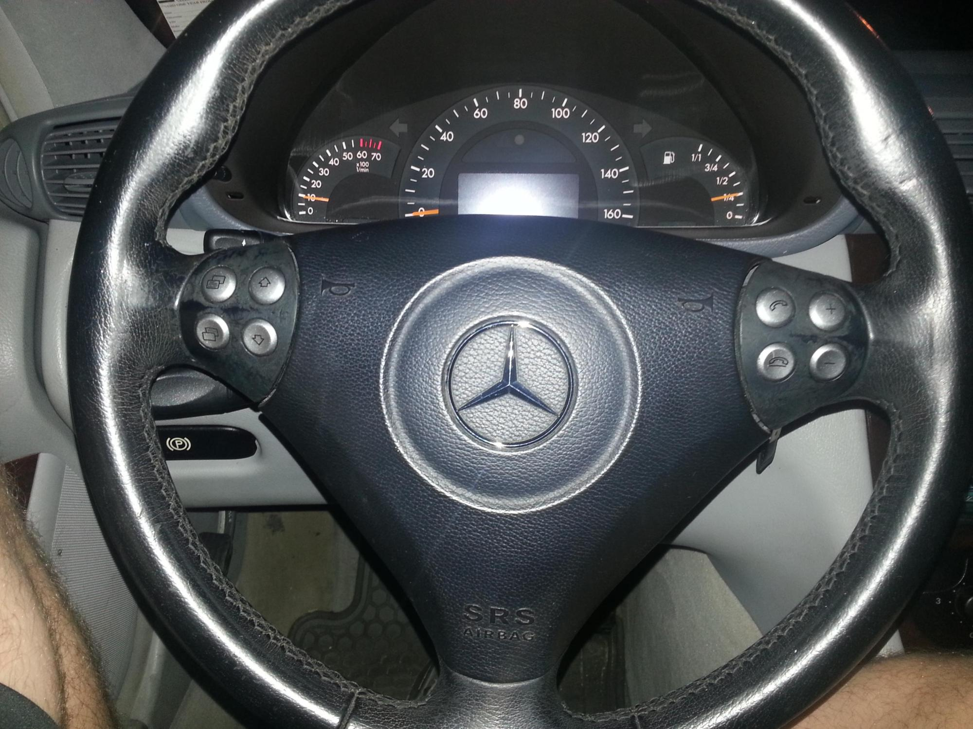 hight resolution of swapped pre face lift with facelifted model steering wheel 20140422 195035 jpg
