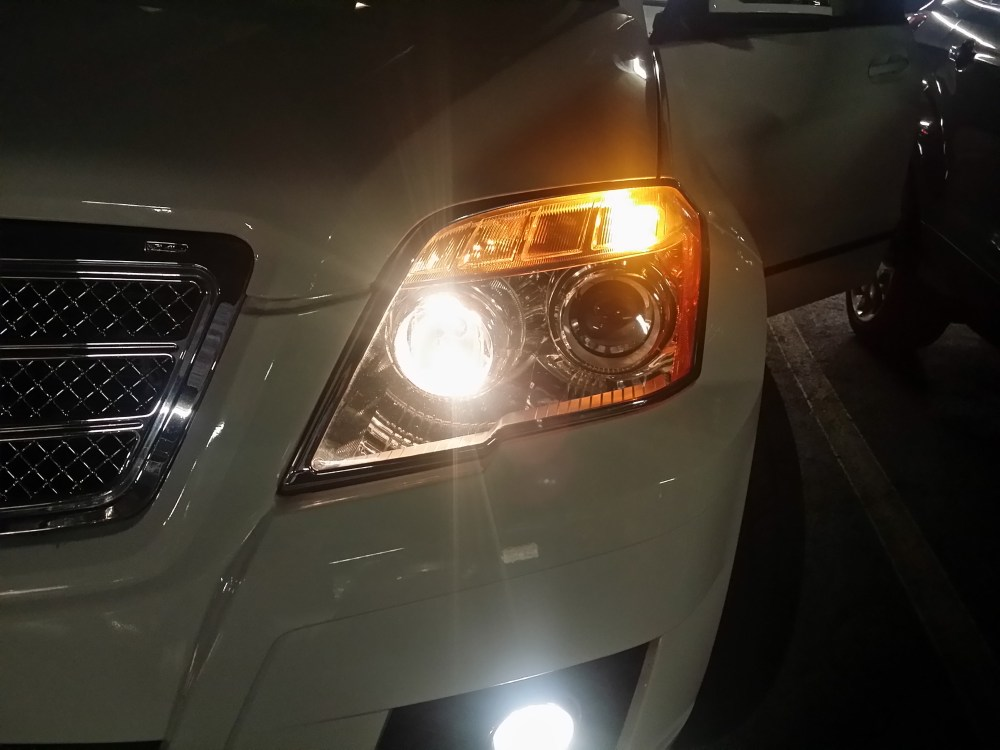 medium resolution of 2014 glk350 low beam headlamps is much easier to change headlight jpg