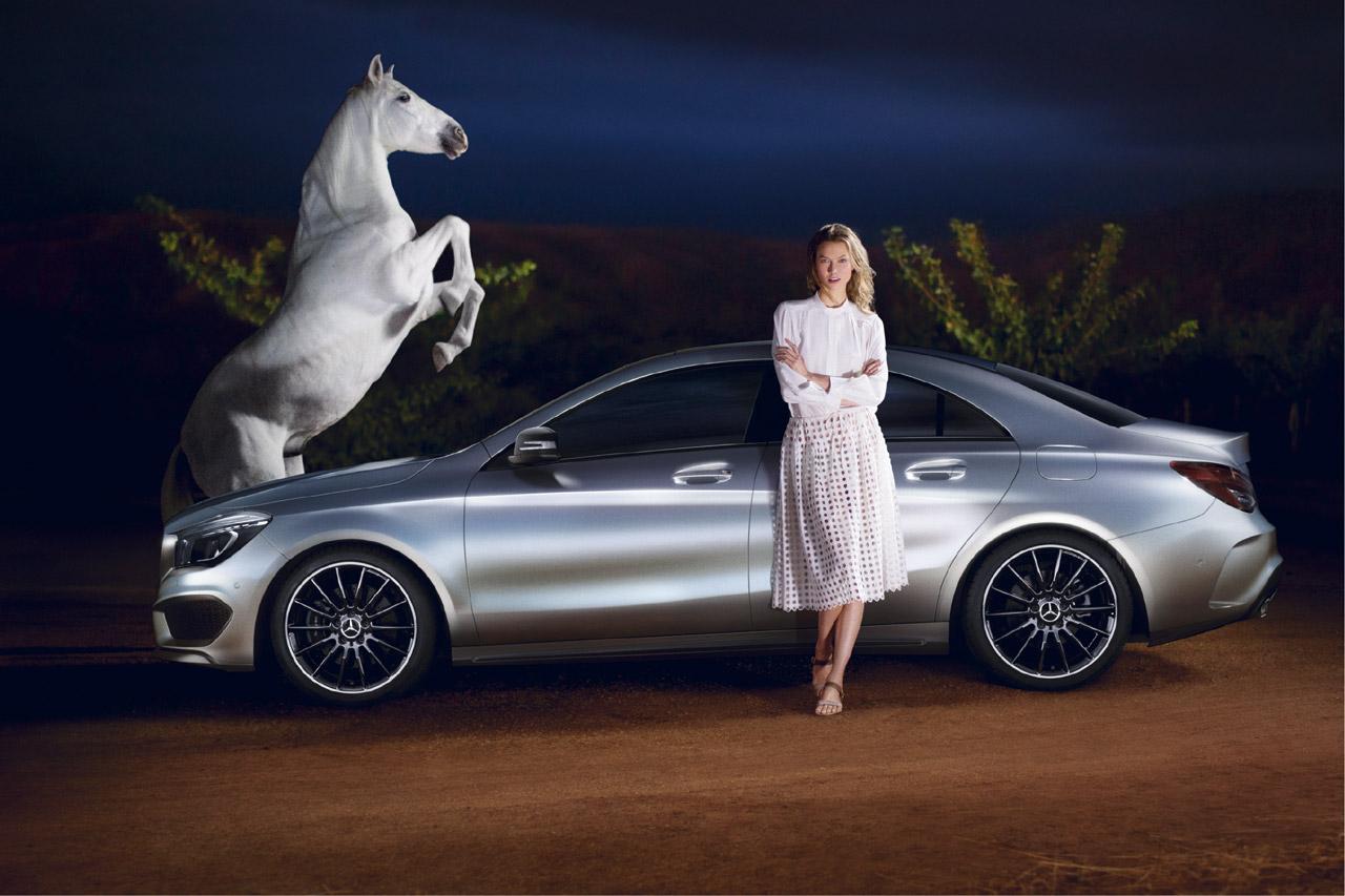 Car Chases Wallpaper Supermodel Karlie Kloss Chases Cla In Artsy Short