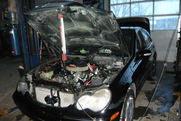 Can You Fit an LS Motor into a W203 C-Class? - MBWorld
