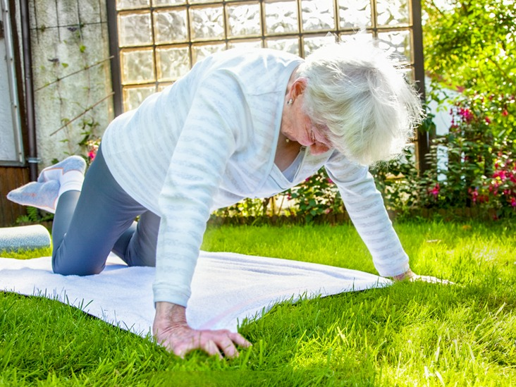old woman pushup