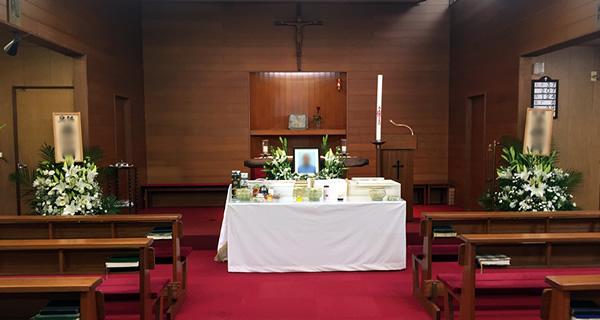 紫原教会の葬儀の祭壇
