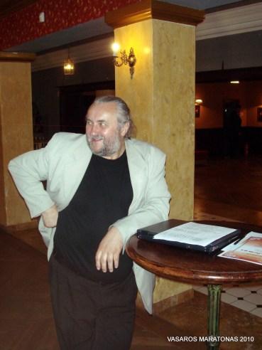 2010-06-02 žaibo turnyras: specialaus prizo steigėjas menininkas Antanas Čebatariūnas