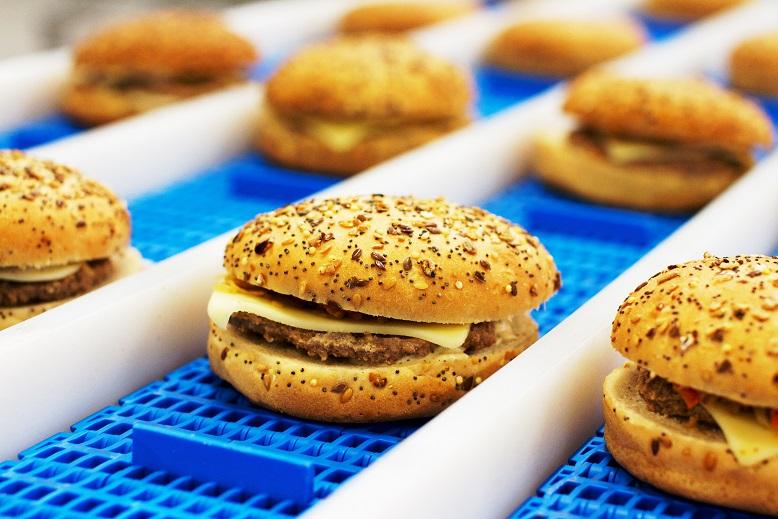Ligne de montage automatisé de Hamburger, linea de montaje automatico de hamburguesas, carne, automatischer zusammenbau von hamburgern, hamburger, ligne automatisée de montage de hamburger, convenience food, expertise in snacking, convenience food installations, productos elaborados, hamburguesas, linea de montaje automatico de hamburguesas