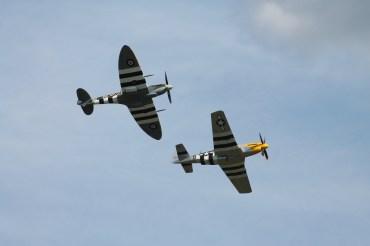 "North American P-51D Mustang ""Ferocious Frankie"" & Supermarine Spitfire LF. IXB"