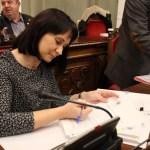 Isabel García denuncia la hipocresía de Castejón para predicar la igualdad mientras discrimina a la secretaria general del Pleno