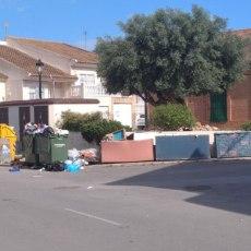 La desidia del Gobierno en mantenimiento inunda de suciedad y maleza la diputación de La Palma