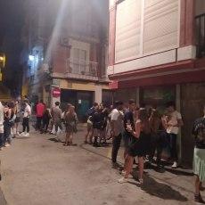 El Gobierno local convierte el Casco Histórico y Cala Cortina en el festival del botelleo