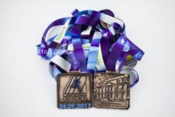 4F Półmaraton Wielicki - medale sportowe przygotowane przez producenta medali MCC MEDALE
