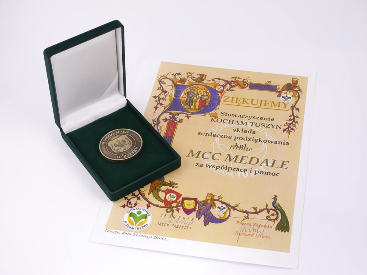 90-lecie Tuszyna-Lasu - podziękowanie dla firmy MCC Medale
