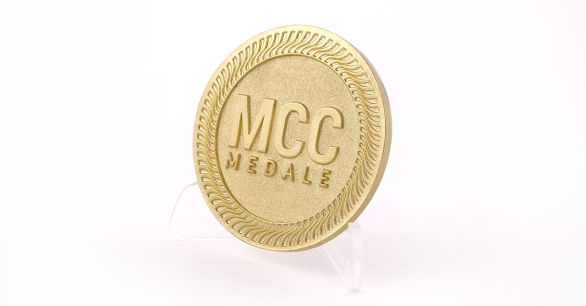 Błyszczący Mosiądz - kolor odlewów dostępny w MCC Medale