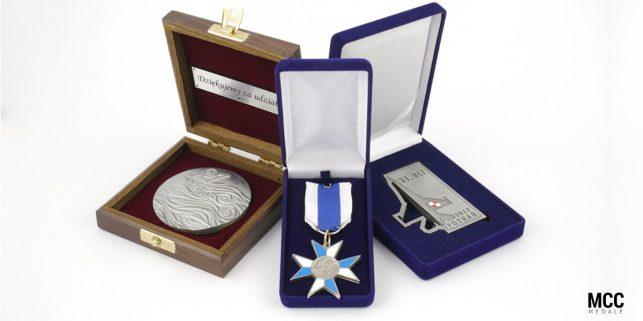 Personalizowane etui na prezent w ofercie MCC Medale