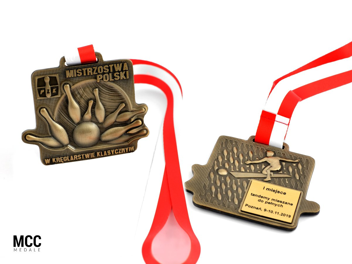 Medale z wygrawerowanym napisem