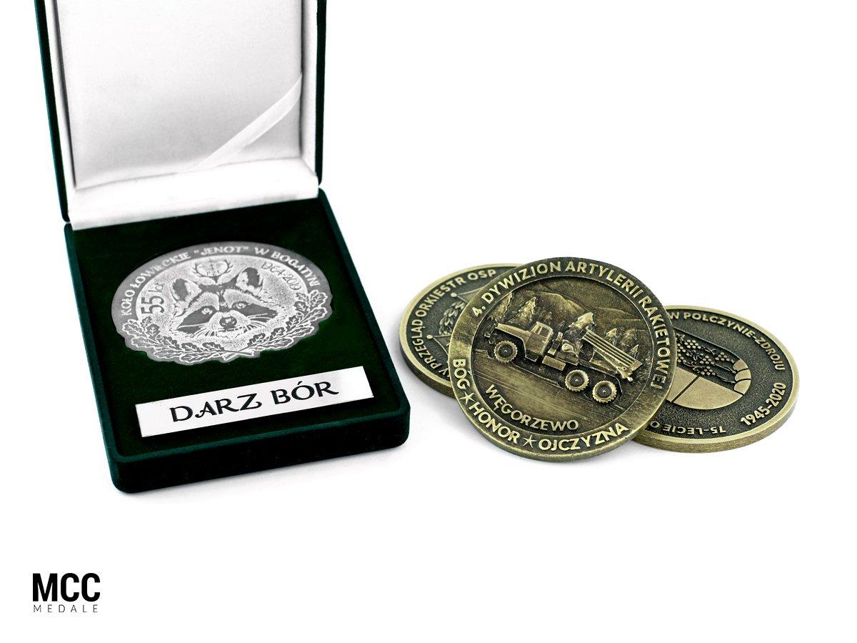 Pamiątkowe medale okazjonalne w etui