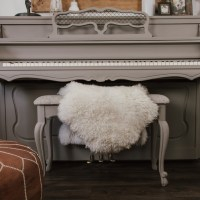 DIY: Upholstered Piano Bench