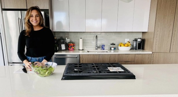 Colleen_Coffey_Cooking_Veggies_image_for_EP_1...