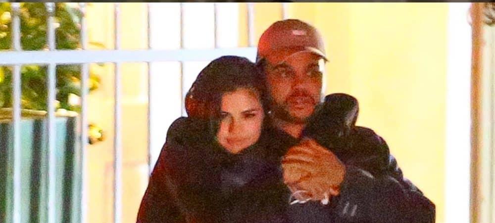 Selena Gomez en couple avec the Weeknd: ils s'embrassent dans un lieu public !