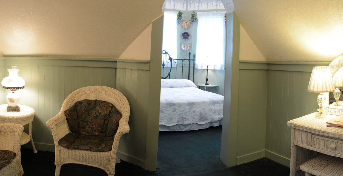 McFarlin House Bed and Breakfast, Quincy FL - Pink Magnolias