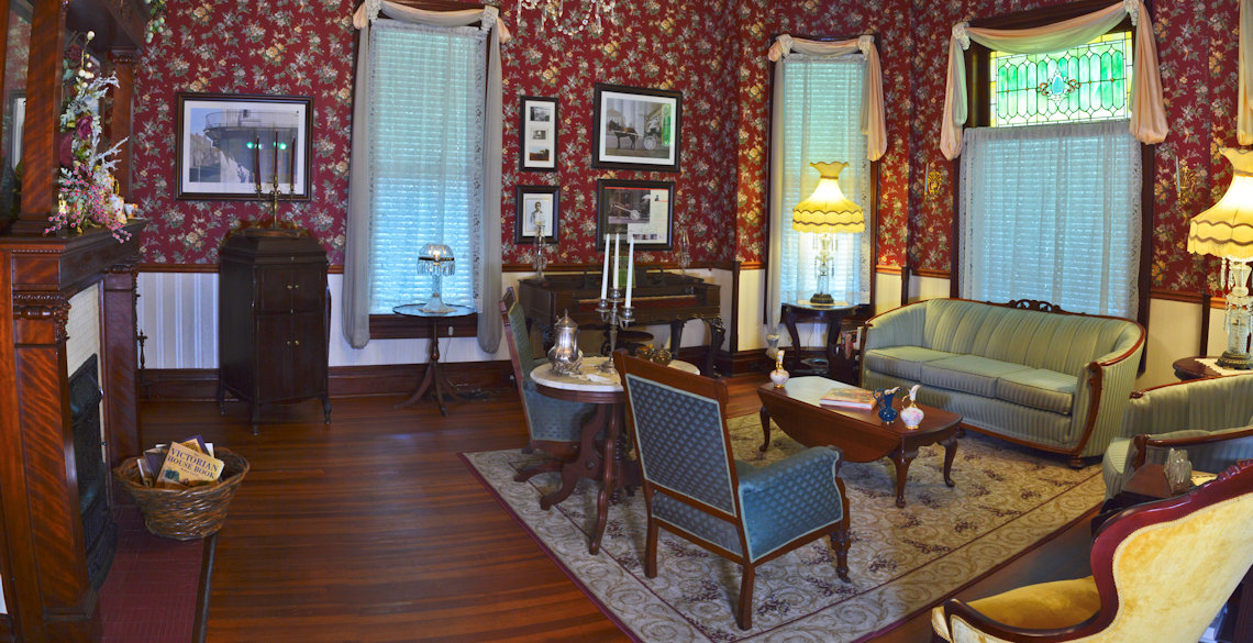 Sitting Room at McFarlin House Bed and Breakfast - Quincy, FL