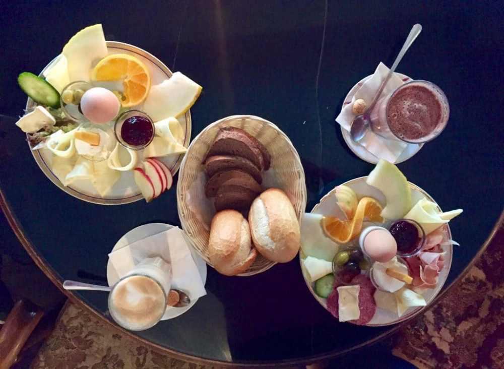 Petit déjeuner au Tante Emma de Berlin Allemagne