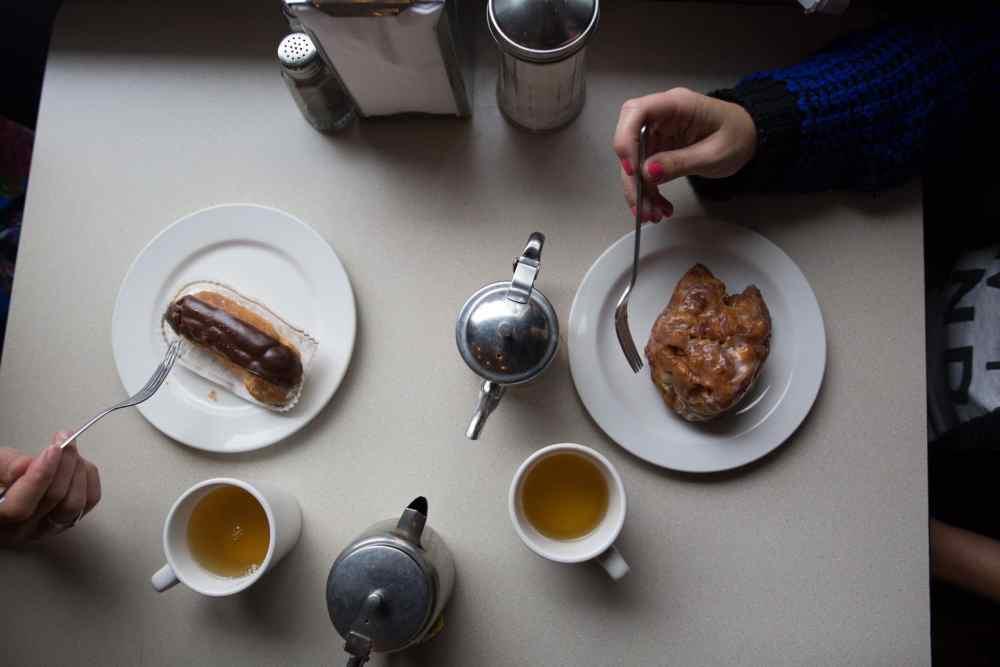 Pâtisserie et thé au Gipsy's café