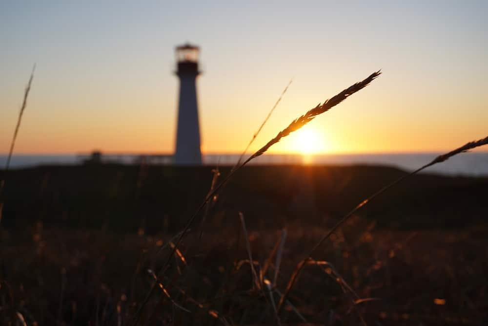 Coucher de soleil au phare Borgot Îles de la Madeleine