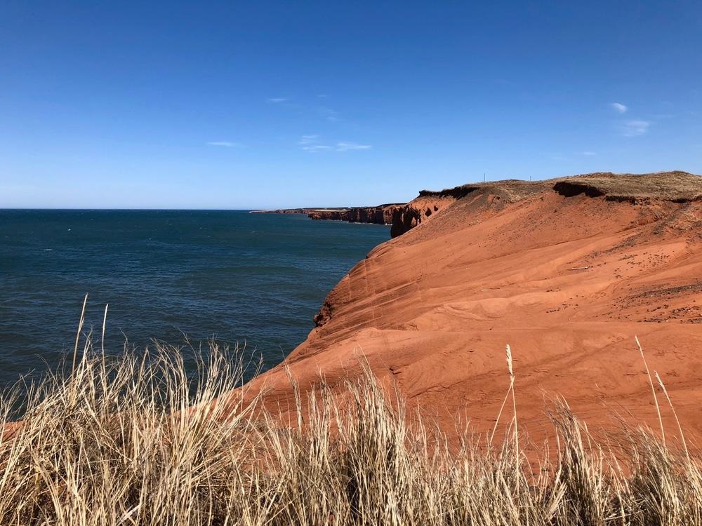 Falaises rouges typiques des Îles de la Madeleine