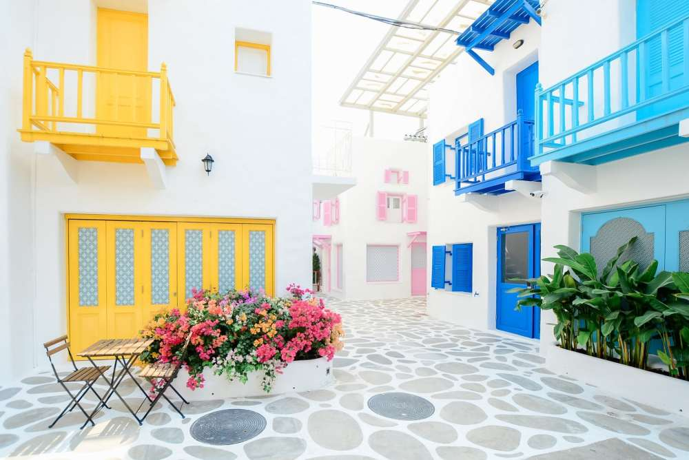 Petite ruelle de Grece menant à un Airbnb