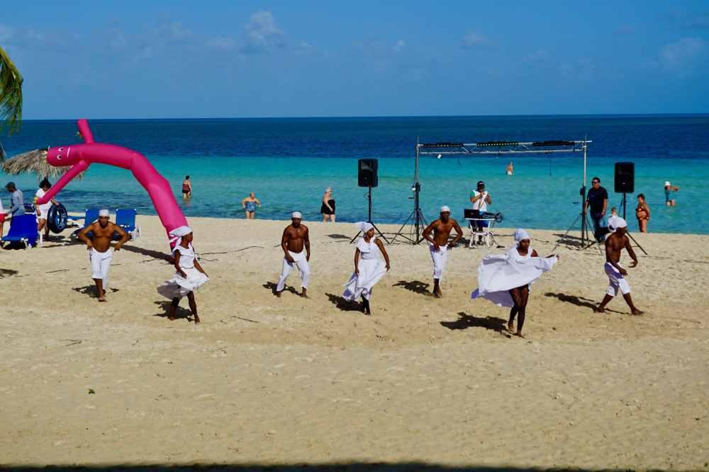 Danse et animation tout-inclus plage Cuba
