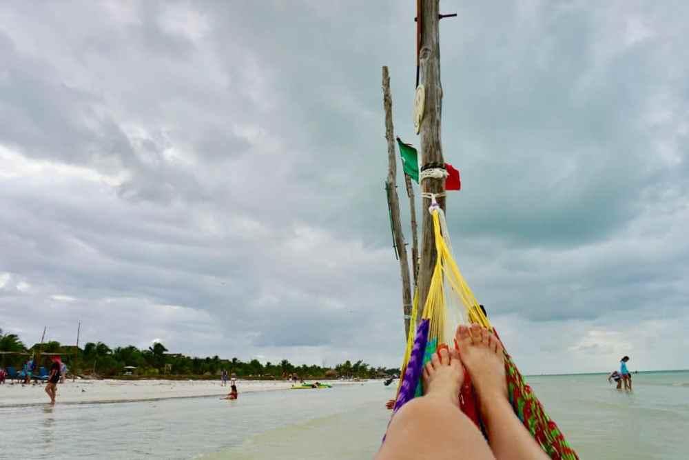 Les hamacs sur Isla Holbox sont très populaires pour la détente.