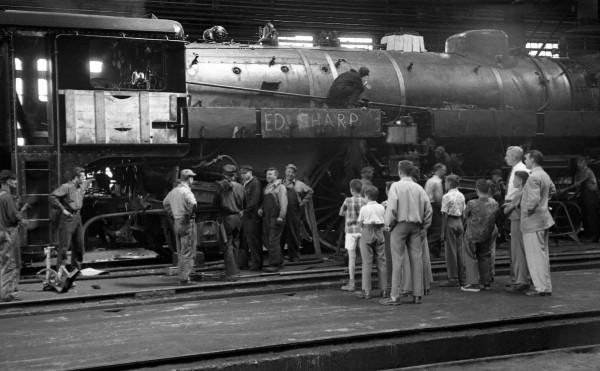 Shops Angus- une visite de 1952 des locomotives entretenues dans les Shops Angus à Montréal