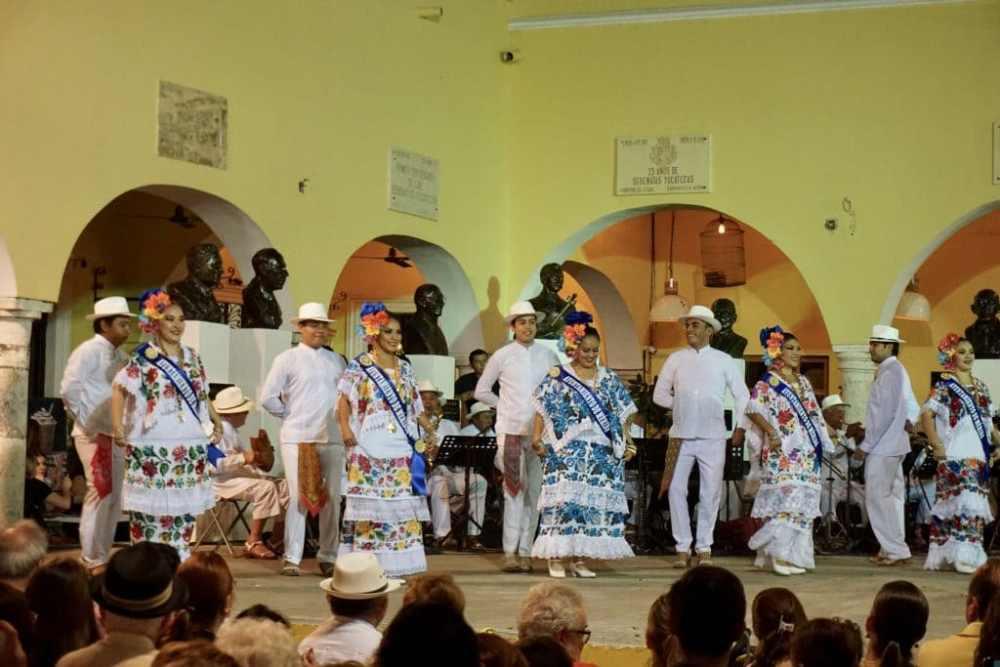 Spectacle gratuit à Mérida les jeudis soirs dans le parc Santa Lucia