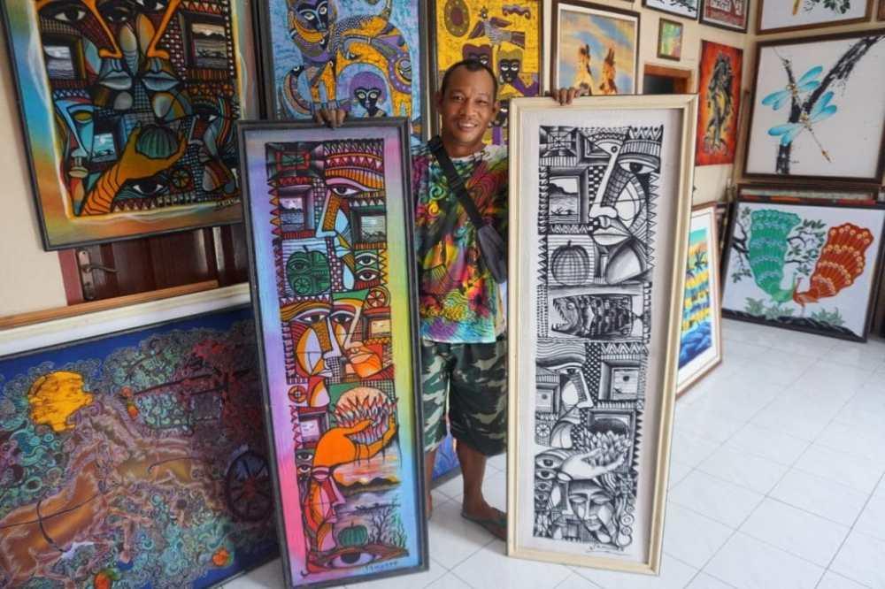 Art Batik avec Angus dans son studio de Jogja près du Château d'eau