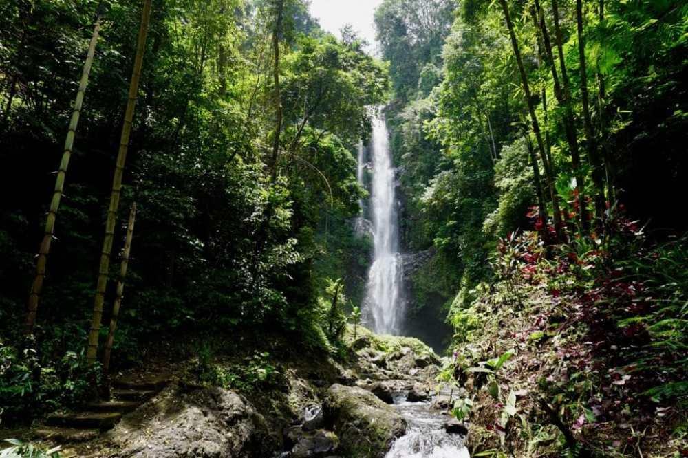 Une des chutes près de Munduk, Bali, Indonésie