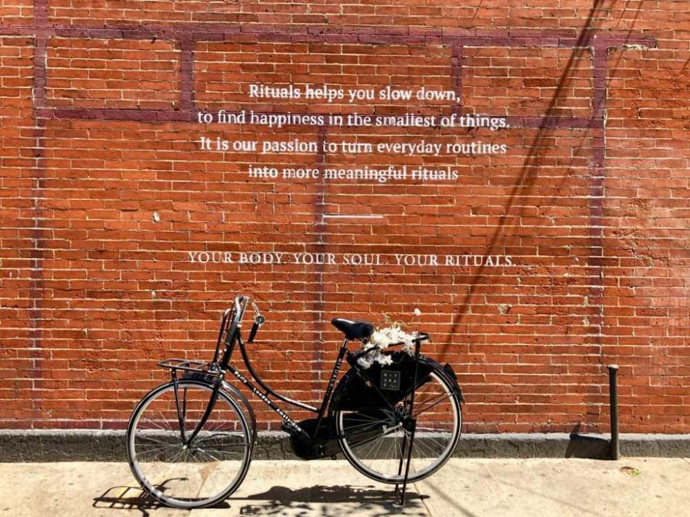 Art de rue à Brooklyn près du café Partners