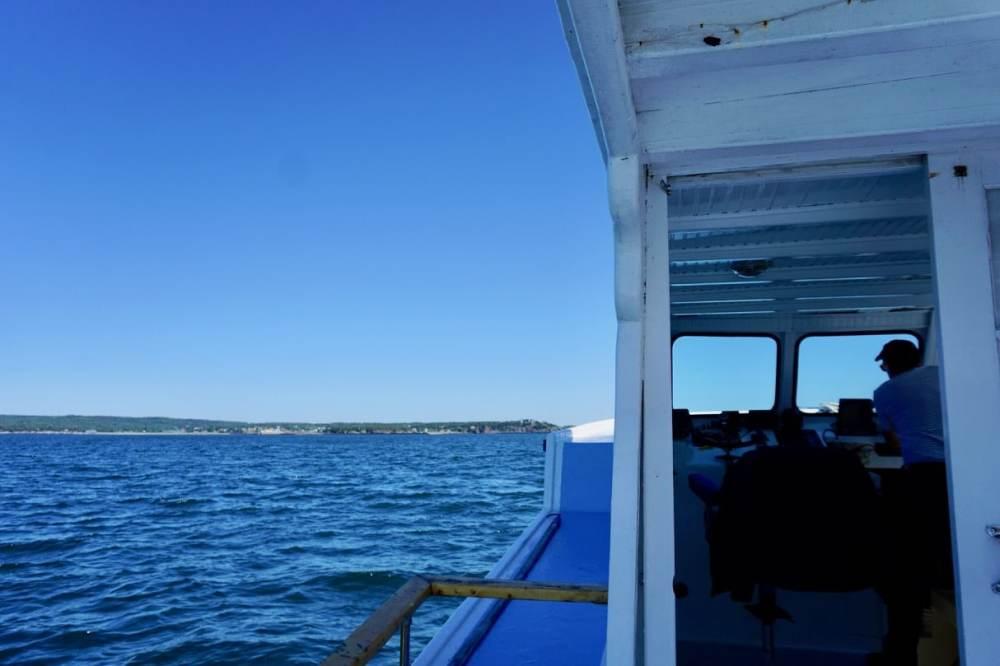 Sur le bateau de Steve de Top of the Island Tour