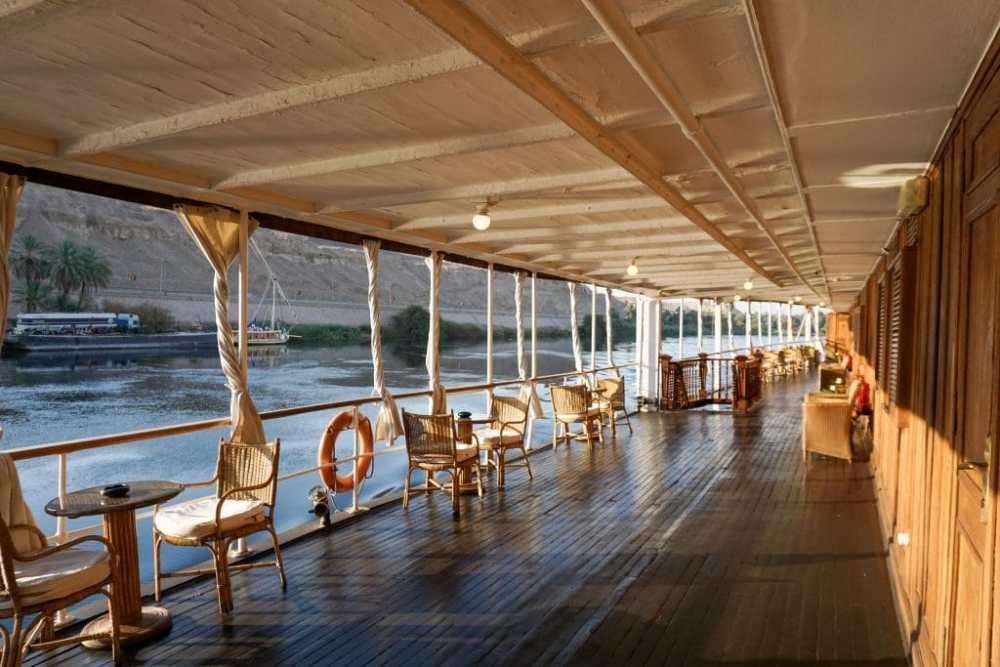 Pont principal du Steam Ship Sudan Egypte au lever du soleil