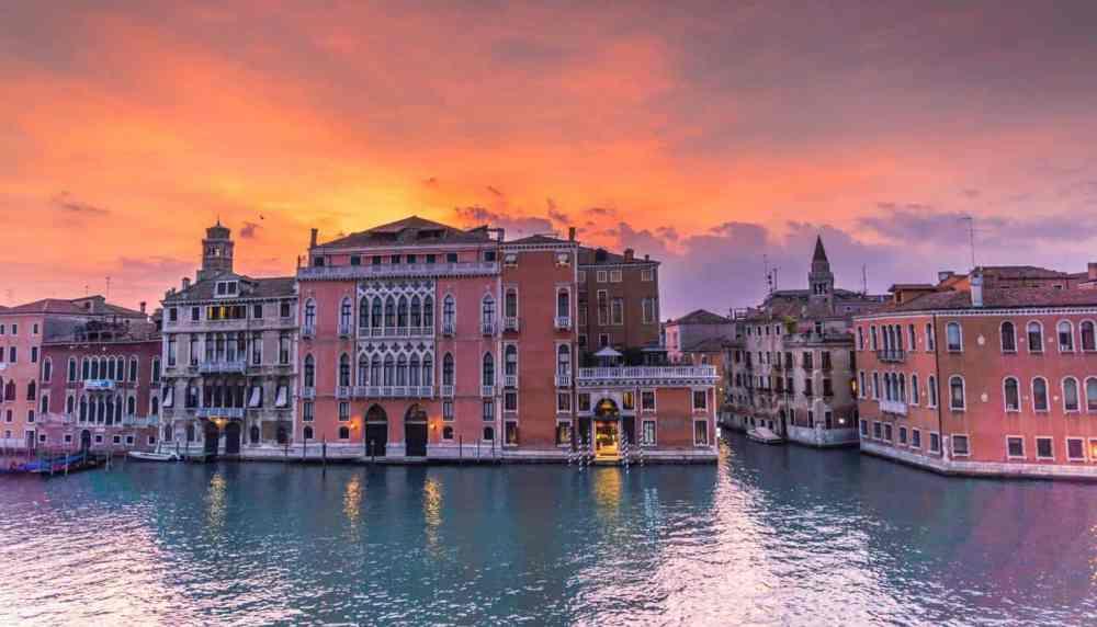Venise en Italie et ses canaux vides