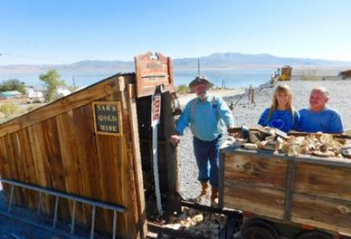 Walker Lake Yard Home to Custom Gold Mine