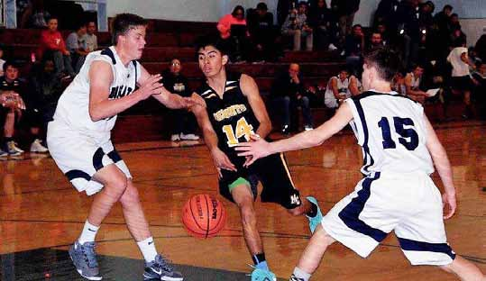 Serpents Finish 4-1 in Home Tourney