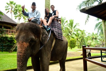 Laurens, me and our guide at the Elephant Safari Lodge.
