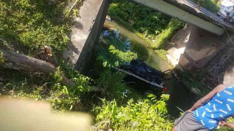 11 EDWIN ALLEN STUDENTS INJURED IN CLARENDON CRASH