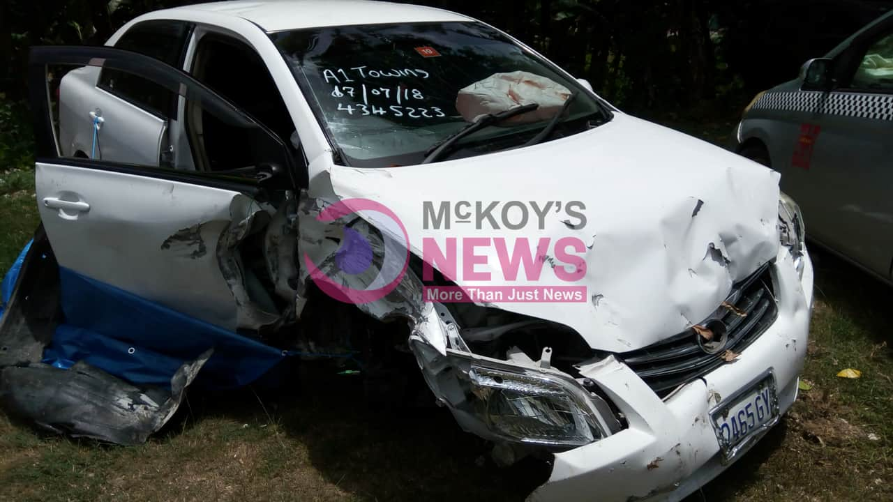 Two vehicles collided in Bog Walk Gorge