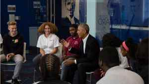 Barack Obama Makes Surprise Visit to DC High School 'to Welcome Back Students'