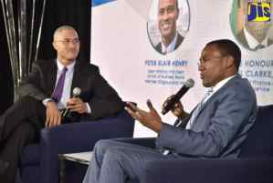 Finance Minister Calls for Increased Domestic Investments