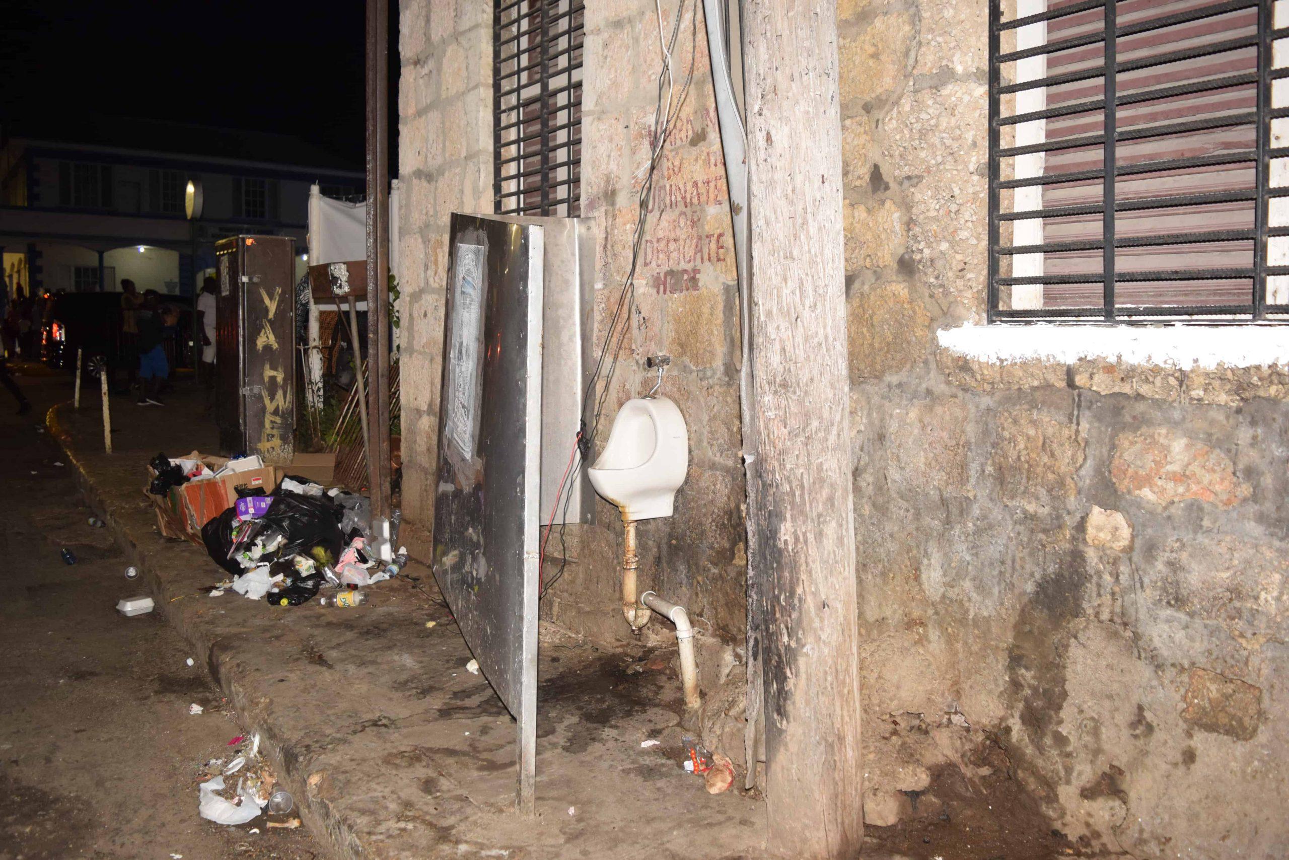 No Toilet at Christmas in Sam Sharpe Square